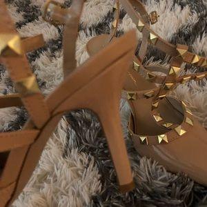 Studded heels 👠